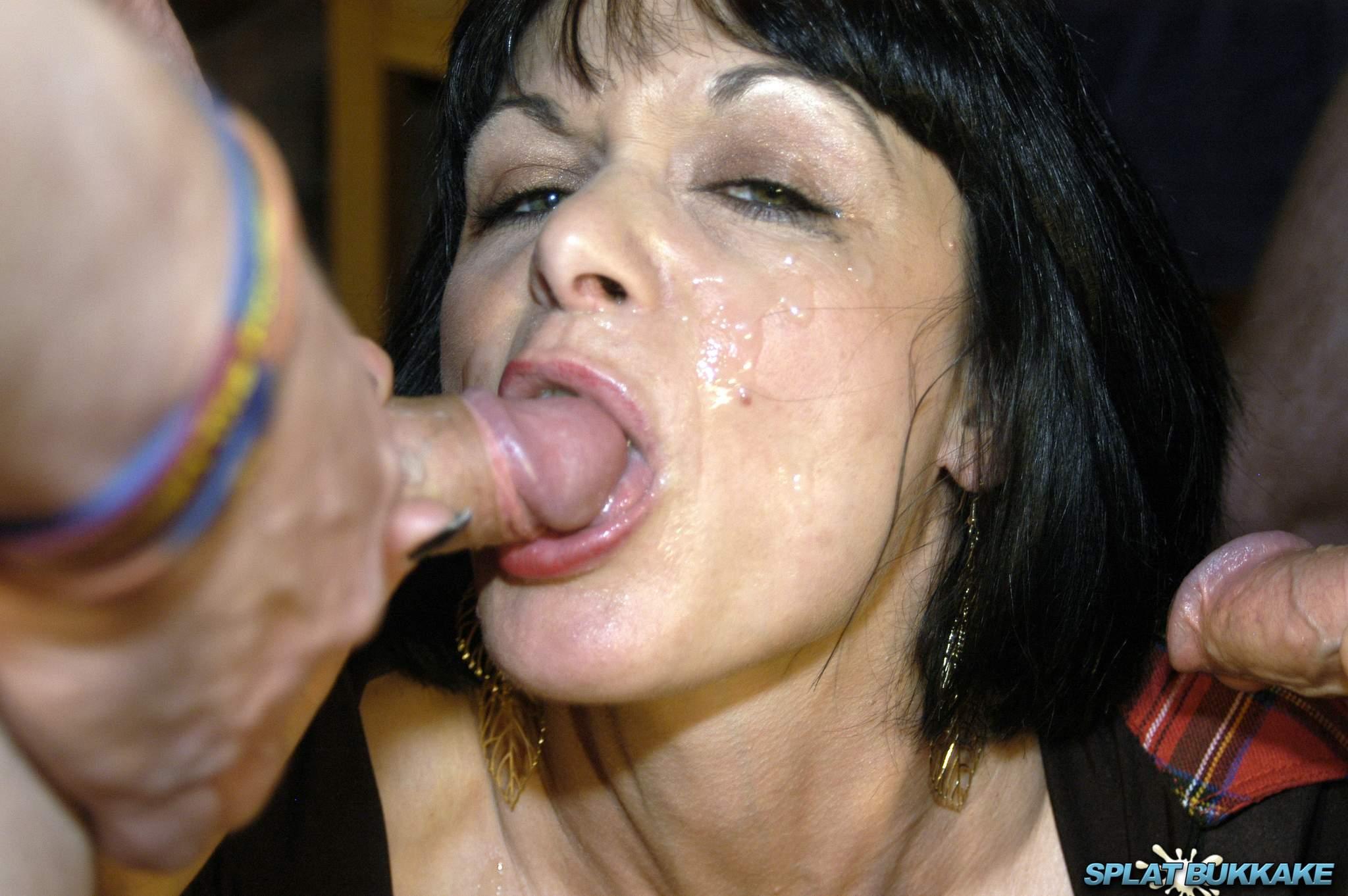 Porn star deepthroat blowjobs