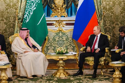 Неизвестные атаковали королевский дворец вСаудовской Аравии