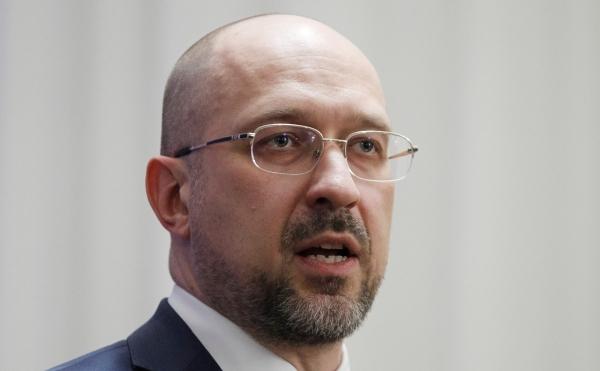 Премьера Украины возмутило фото своего зама сКадыровым
