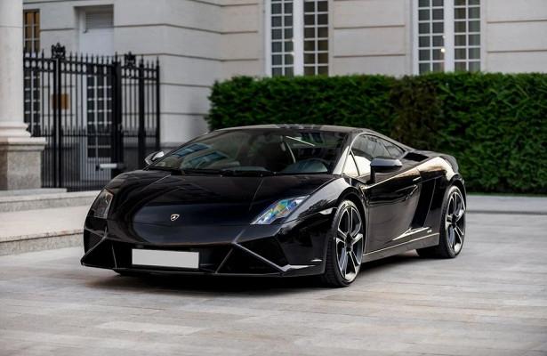 Напродажу вМоскве выставили Lamborghini Gallardo практически безпробега