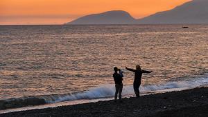 Плавающая вЧерном море пара возмутила жителей Сочи
