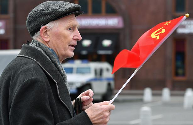 Россиянам пообещали двойную пенсию вдекабре