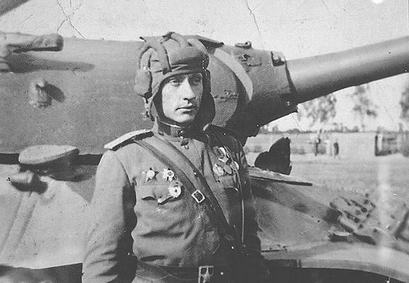 Зачтопосадили лучшего танкиста СССР