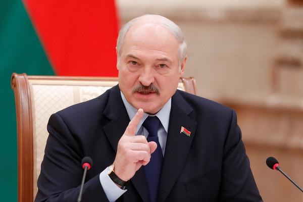 Лукашенко заявил оготовности кдиалогу счестной оппозицией