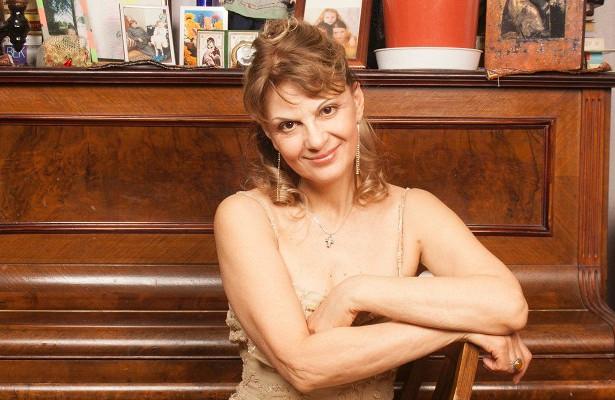 Актриса Светлана Тома сидит науспокоительных