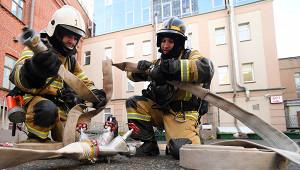 Вцентре Москвы загорелось двухэтажное здание сресторанами