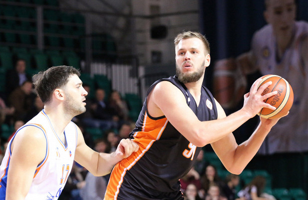 Перетасовали состав: БК«Самара» подписал нановый сезон шесть баскетболистов