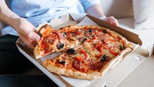 Клиент съел пиццу «ужасным» способом ипрослыл монстром