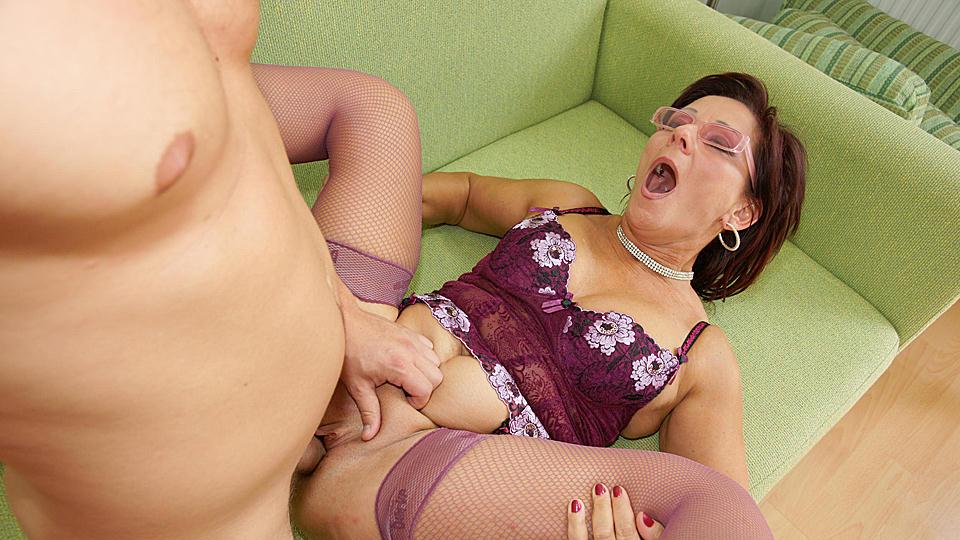 Big tit mom blowjob