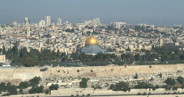 Между Палестиной иИзраилем: какусидеть надвух стульях