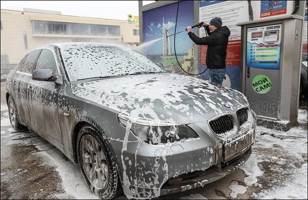 Эксперт рассказал, какпомыть машину всильный мороз