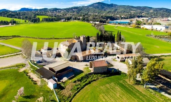 Виллы на продажу и в аренду в Испании