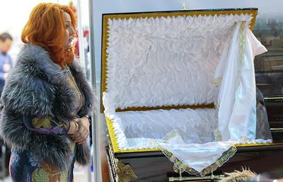 Смерть имклицу: какпрошла похоронная выставка «Некрополь»