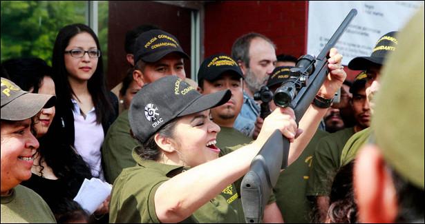Какпростая мексиканка Нестора Сальгадо объявила войну наркокартелям