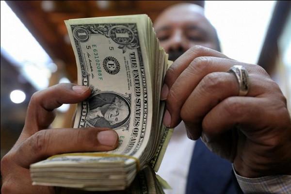 Аналитики: кризис вСШАнезначительно ослабит доллар