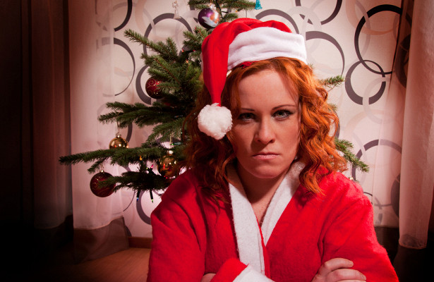 Психолог объяснил, почему люди грустят вовремя праздников