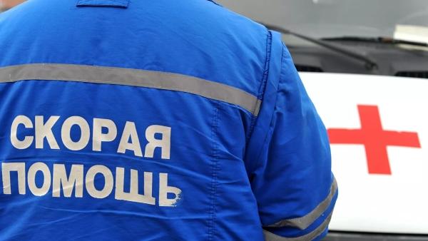 Мужчина вышел изсломавшейся машины вМоскве ипогиб