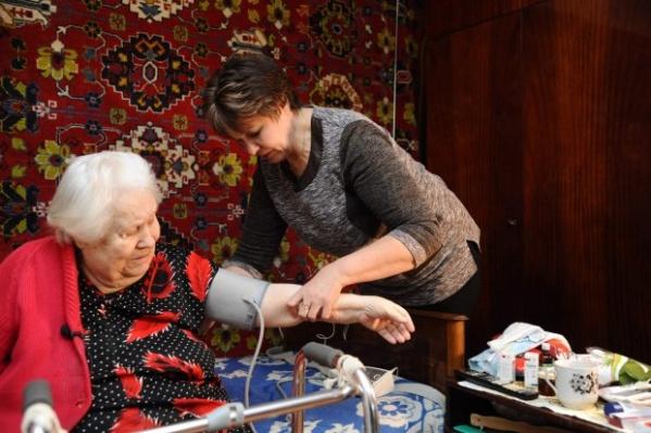 Жителям Волгоградской области оказывают социальную помощь надому