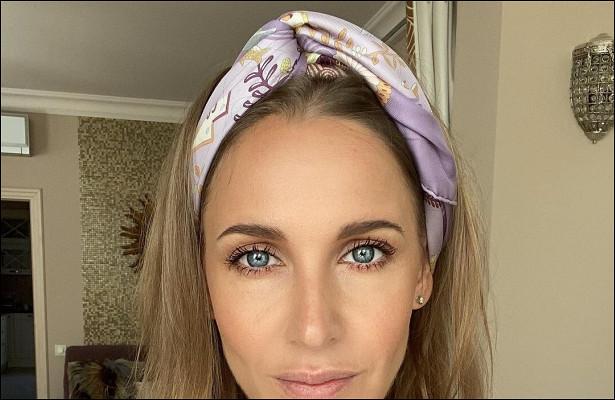 Всееще«Блестящая»: Юлия Ковальчук покорила поклонников роскошным платьем впайетках