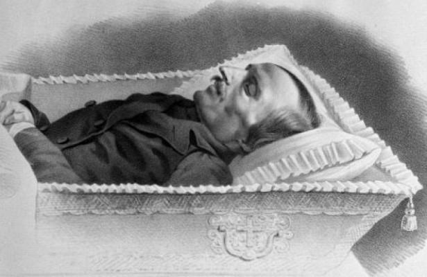 Была липохищена измогилы голова Гоголя