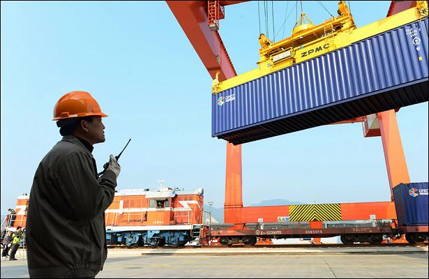 Китай ввел запрет напропуск российских грузов вмешках