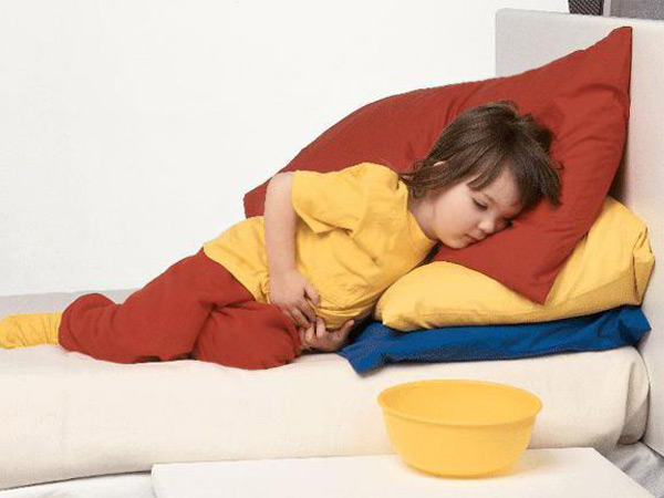 Ребенок поднимал тяжести болит живот