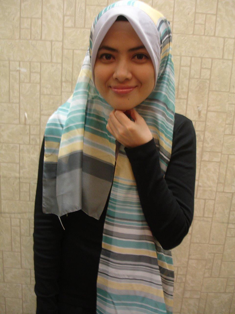 Malay Skodeng Tudung Hijab Labuh Romen - Datin Rosmah -1765