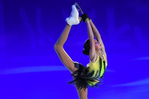 Ученица Тутберидзе Акатьева выиграла этап Кубка России вКазани всоревнованиях юниорок