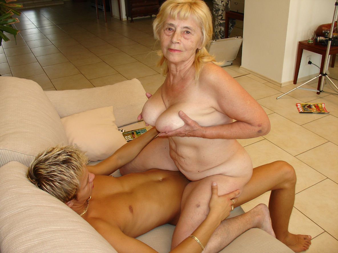 Крутая ебля зрелых дам, порно шимейлы онлайн