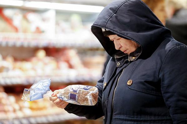 Россияне ринулись в кэш: ЦБ теряет контроль над наличной денежной массой