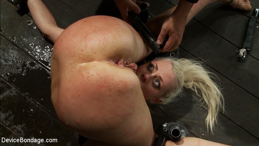 Spycam caught mum masturbating