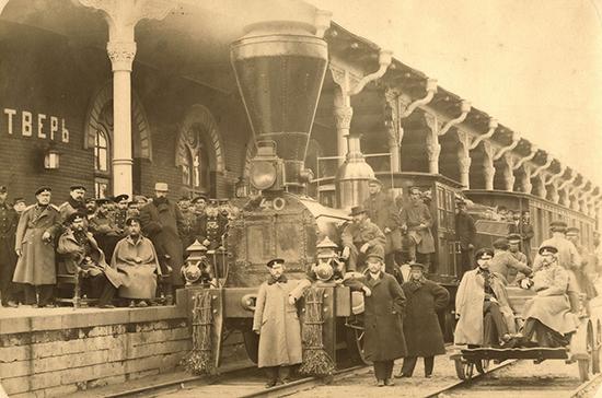 Когда вРоссии запустили первую железную дорогу