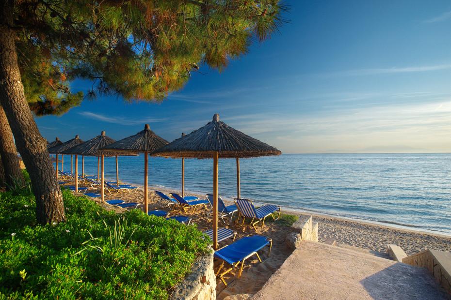 Гостиницу в остров Потидея на берегу моря
