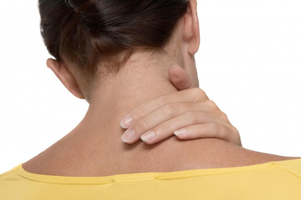 Почему болит шея с правой стороны? Причины