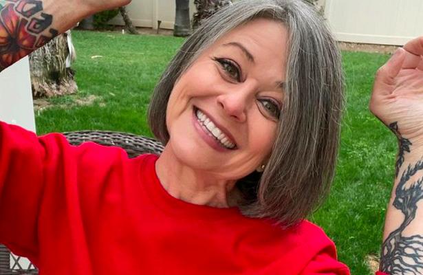56-летнюю женщину высмеяли завнешний видподростка