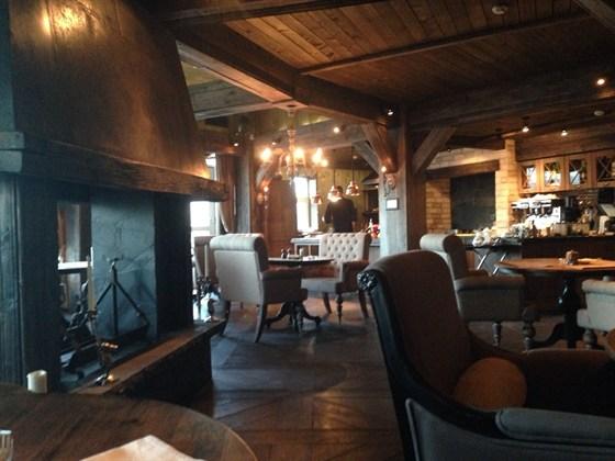 Ресторан Steak Story - фотография 1 - очень милое тихое место, рекомендую всем грибной крем-суп, таяющий во рту)