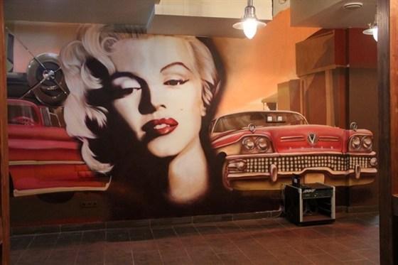Ресторан BQ - фотография 1 - Настенная живопись выполненная в лучших традициях графити