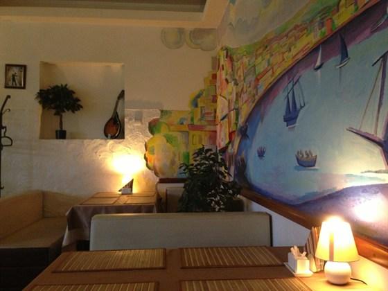 Ресторан У самолета - фотография 1 - Зал.