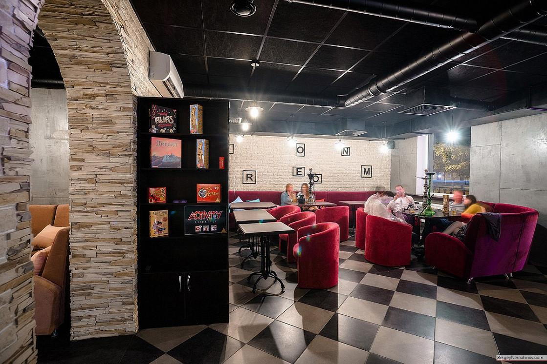 Ресторан Feromon Lounge Bar - фотография 13 - Интерьер