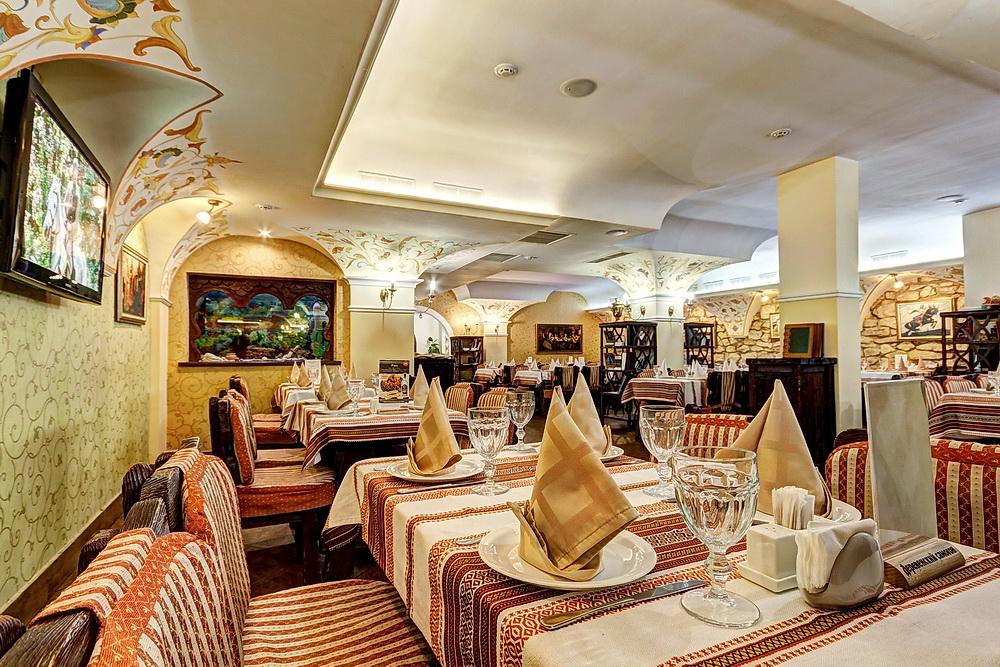 Ресторан Добрыня - фотография 29 - Трапезный зал