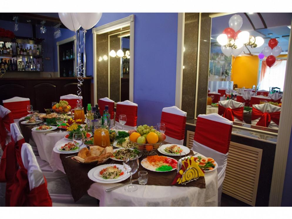 Ресторан Наш двор - фотография 1