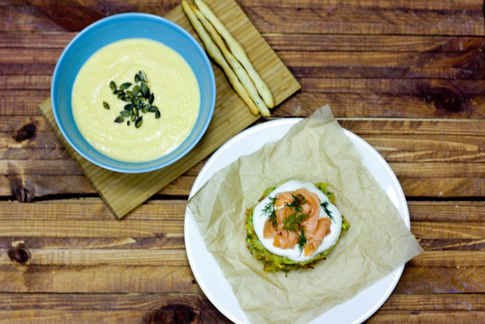 Ресторан Teabakery - фотография 14 - Обед - тыквенный суп-пюре и кабачковые оладью с семгой и сметаной