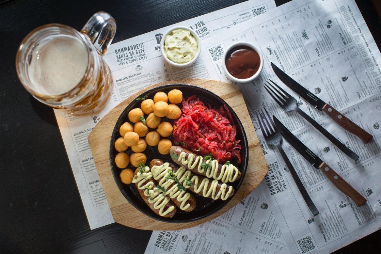 Ресторан Другой бар - фотография 1 - Колбаски собственного производства