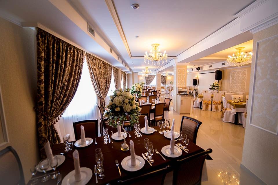Ресторан 12 стульев - фотография 18
