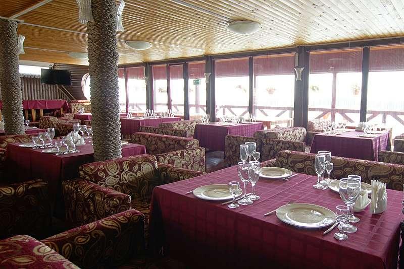 Ресторан Адмиральский причал - фотография 10