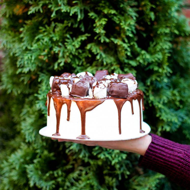 Ресторан Teabakery - фотография 23 - Шоколадно-карамельный торт