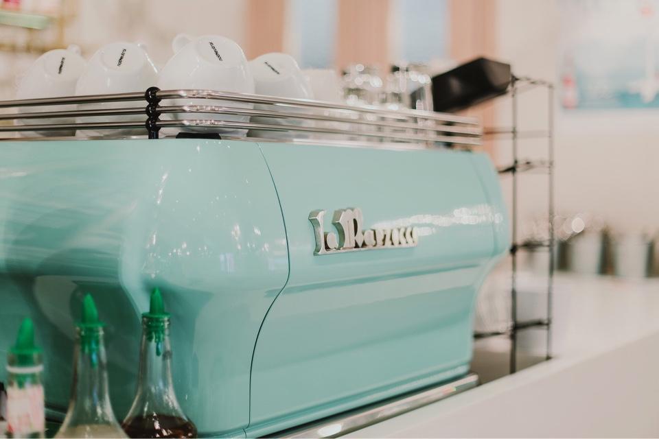 Ресторан Upside Down Cake Co. в Афимолле - фотография 1