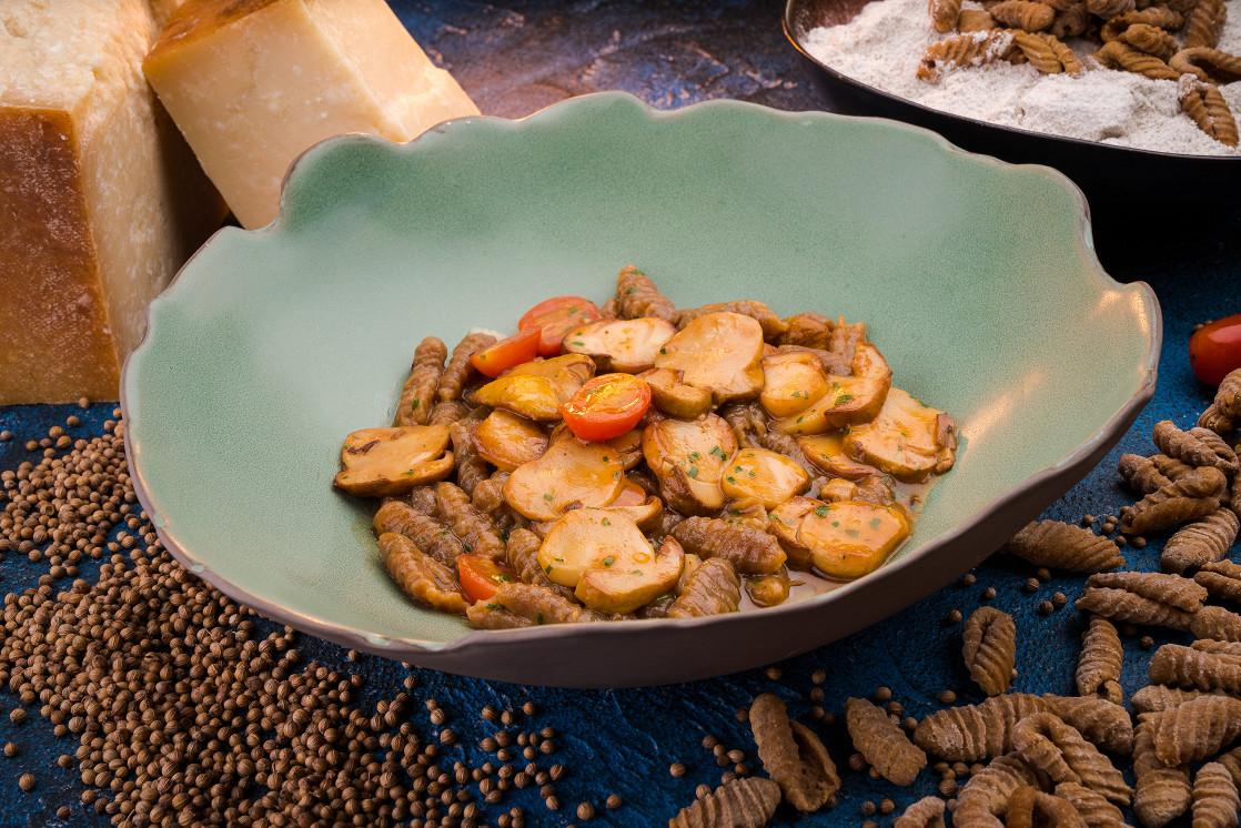 Ресторан The Mad Cook - фотография 8 - Ньекетти Сарди БОРОДИНО с белыми грибами и боскойолла