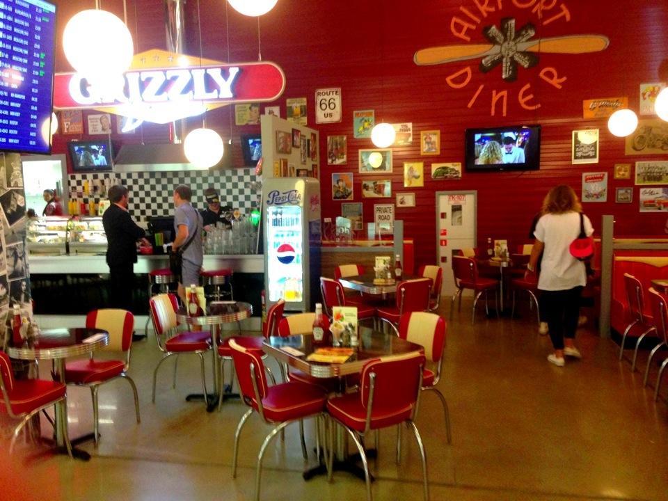 Ресторан Grizzly Diner - фотография 2