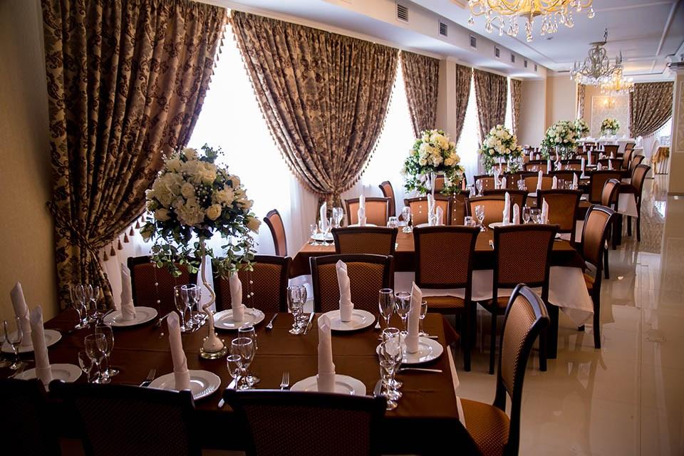 Ресторан 12 стульев - фотография 12